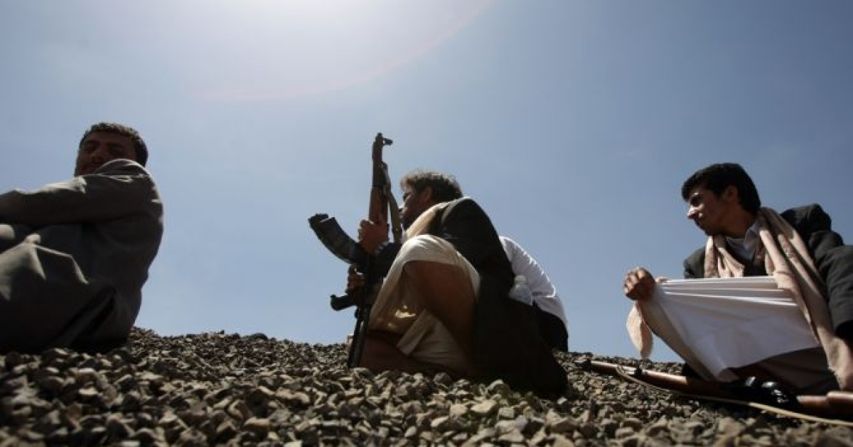 Yemeni armed tribesmen gather for a tribal meeting on the outskirts of Sanaa to discuss local conflicts on May 17, 2012.</p>