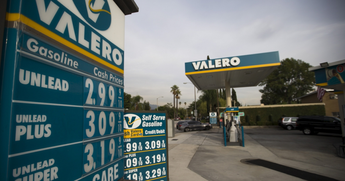 The prices at a Valero Energy Corp gas station in Pasadena, California, on Oct. 27, 2015.