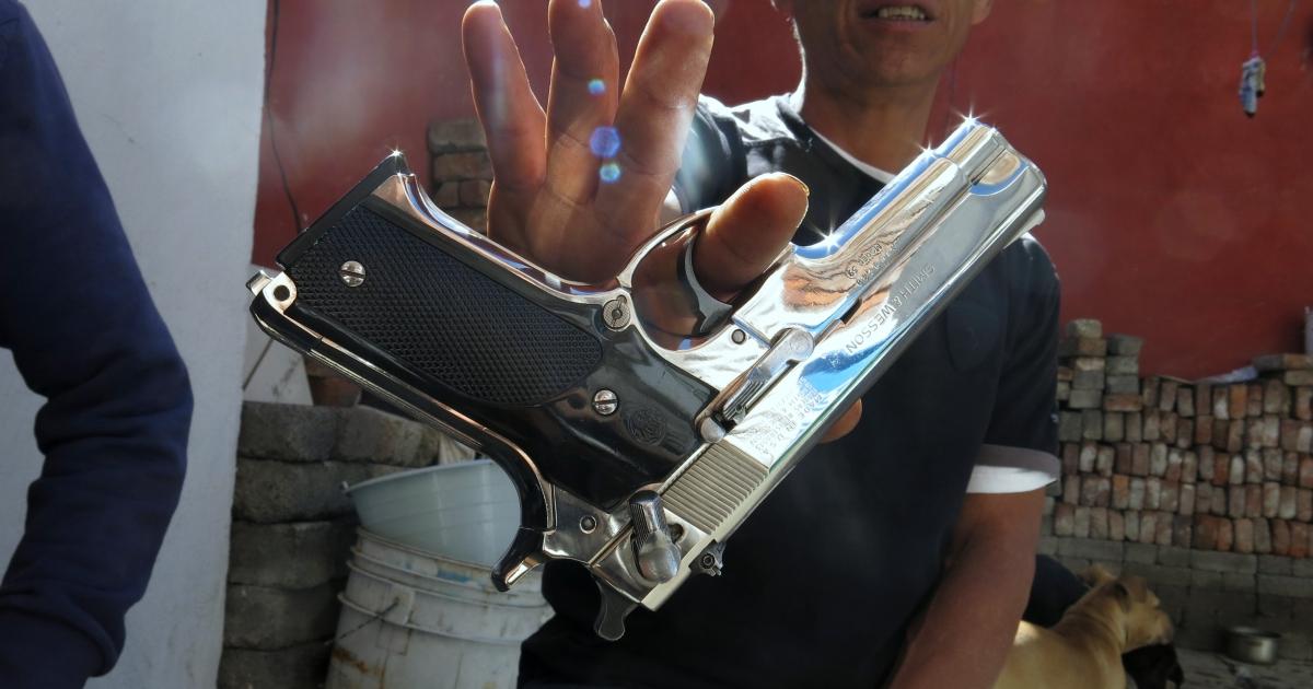 Illegal gun deal in Mexico
