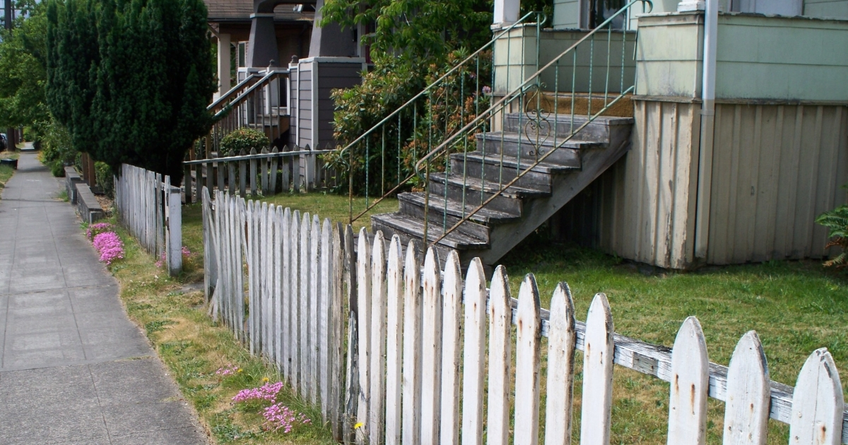 Has the white picket fence lost its luster? The US elections campaigns are playing up the American Dream but for many in hard economic times, that dream has vanished.</p>