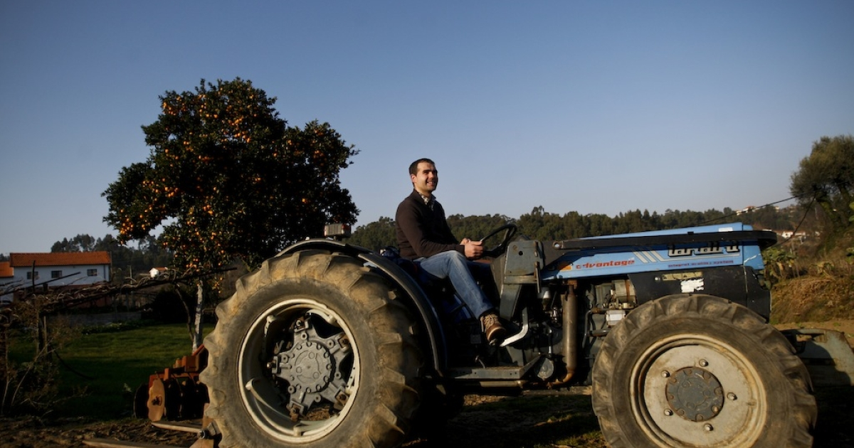 Imagine this tractor crushing the Honda in your driveway.</p>