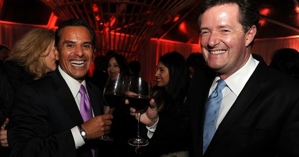 Los Angeles Mayor Antonio Villaraigosa and TV personality Piers Morgan attend The Hollywood Reporter Big 10 Party at the Getty House on February 24, 2011 in Los Angeles, California.</p>