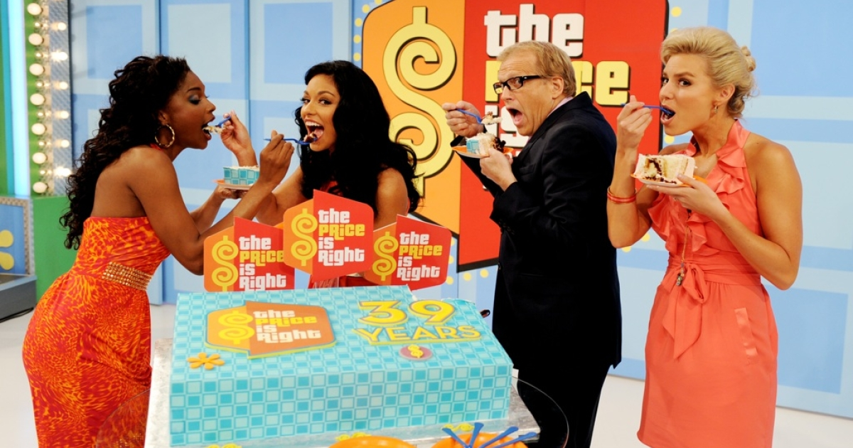 Models Lanisha Cole, Manuela Arbelaez, host Drew Carey and model Rachel Reynolds appear onstage at the taping of the 39th season premiere of 'The Price is Right' at Television City on August 9, 2010 in Los Angeles, California.</p>