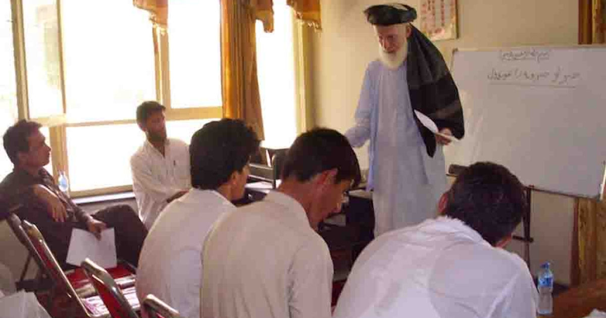 Englishman John Mohammed Butt trains a team of PACT Radio reporters at the Islamic Vocational Academy in Jalalabad, Afghanistan.</p>