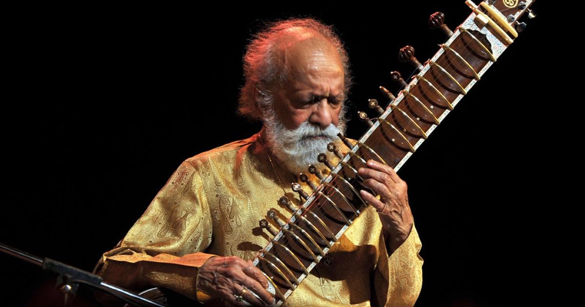 Ravi Shankar plays his sitar at the Palace Grounds in Bangalore, India, Feb. 7, 2012.</p>
