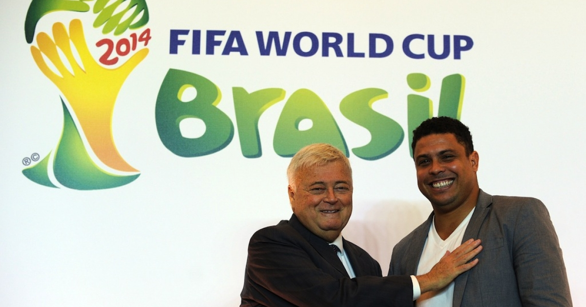 Ricardo Teixeira (L), poses for a picture with Ronaldo Nazario during a press conference to announce Ronaldo as member of the Brazil 2014 FIFA World Cup Council, on December 1, 2011, in Rio de Janeiro, Brazil.</p>