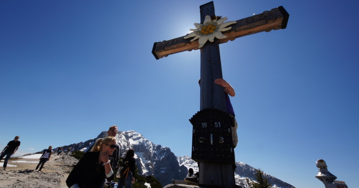A cross marking the summit of the Obersalzberg, on which the Kehlsteinhaus —known to English speakers as Adolph Hitler's Eagle's Nest — is built.</p>