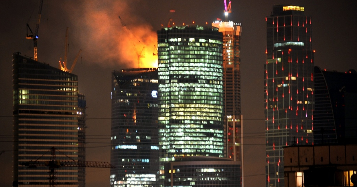 Flames engulf the 67th floor of the eastern Federation Tower in Moscow, Europe's tallest building-to-be.</p>