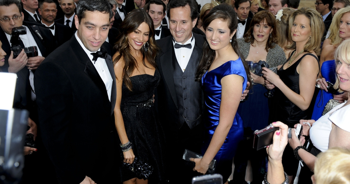 (L-R) Nick Loeb, Sofia Vergara, Rick Santorum and Sarah Maria Santorum attend the Yahoo! News/ABC News White House Correspondents' Dinner Cocktail Reception at the Capital Hilton  on April 28, 2012 in Washington, DC.</p>