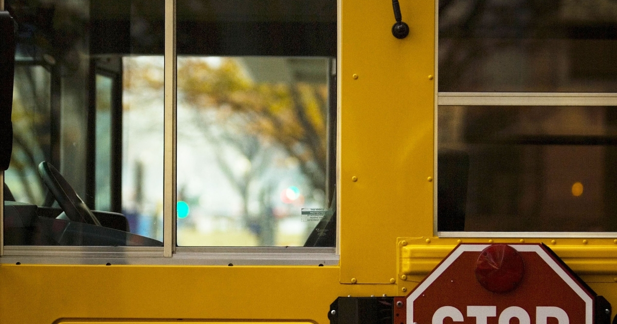 A hydrogen-powered hybrid school bus in Washington, DC, on Nov. 28, 2006.</p>