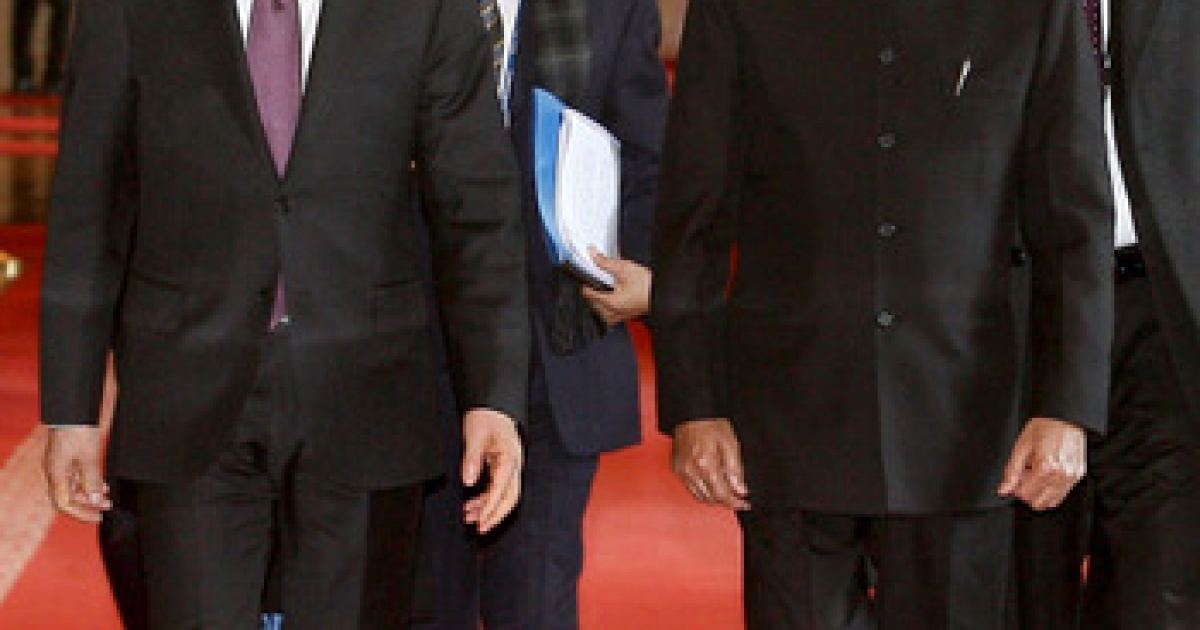 India's Prime Minister Manmohan Singh, shown here walking with his South Korean counterpart in Seoul, will address India's massive trade deficit with China's Hu Jintao this week. A mutually satisfying solution will be crucial to making the BRICS grouping a viable negotiating force.</p>