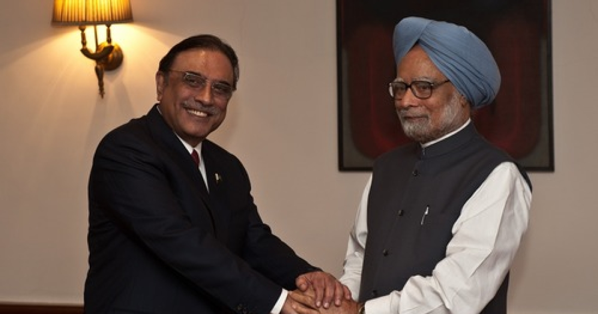 Indian Prime Minister Manmohan Singh (R) shakes hands with Pakistan President Asif Ali Zardari during a meeting in New Delhi on April 8, 2012. President Asif Ali Zardari became the first Pakistani head of state since 2005 to visit South Asian neighbour India, for a one-day trip aimed at building goodwill between the nuclear-armed rivals.</p>