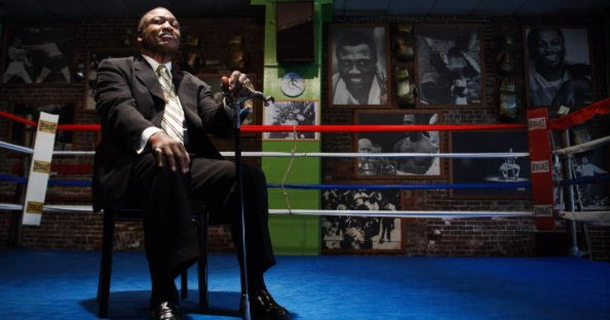 Joe Frazier, an old warrior, at his gym in Philadelphia in 2009</p>