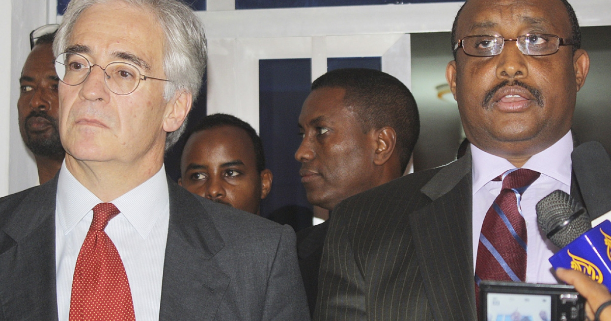 Somali Prime Minister Abdiweli Mohamed Ali and EU special representative to the Horn of Africa Alexander Rondos speak to reporters today in Mogadishu. Rondos met with Ali and President Sharif Sheikh Ahmed to discuss peace process strategies for the wartorn country.</p>