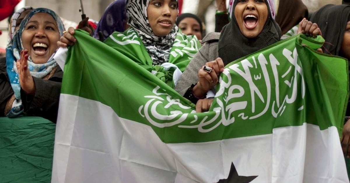 British-based Somalilanders wave the flag of the internationally unrecognized self-declared republic of Somaliland as they hold a pro-independence rally outside Downing street in London on February 22, 2012. The protesters were calling for recognition of Somaliland, currently a region of Somalia in the eyes of the international community, as a soverign state following the region's unilateral declaration of independence over two decades ago.</p>