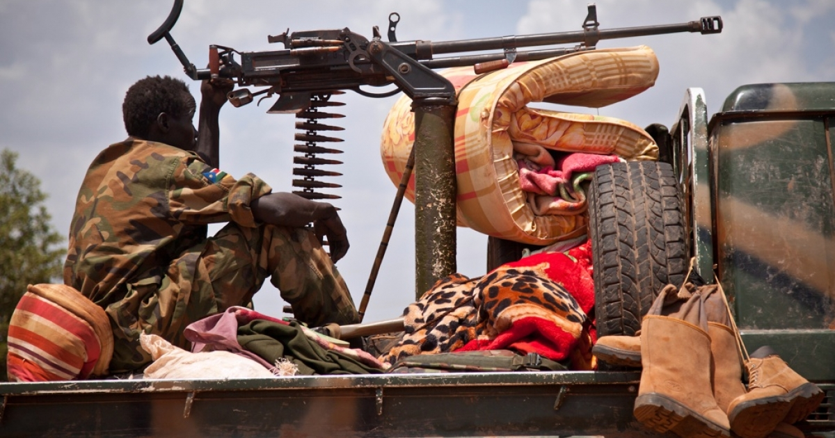 A South Sudan People's Liberation Army soldier in Heglig, on April 17, 2012. The South Sudan government eased tensions on Friday by beginning the withdrawal of all its troops from Heglig.</p>