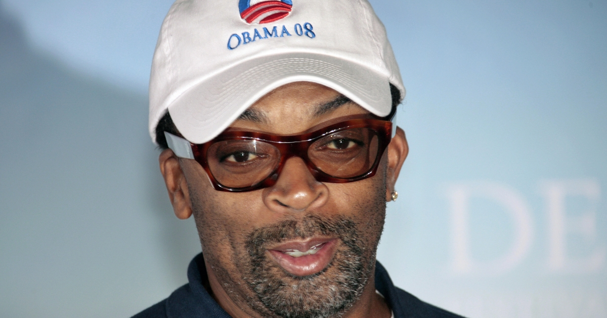 US director Spike Lee wears a cap in support of US Democratic presidential candidate Illinois Senator Barack Obama before the screening of his movie 'Miracle at St Anna' on September 10, 2008 during the 34th US Film Festival, on the French northwestern coast.</p>