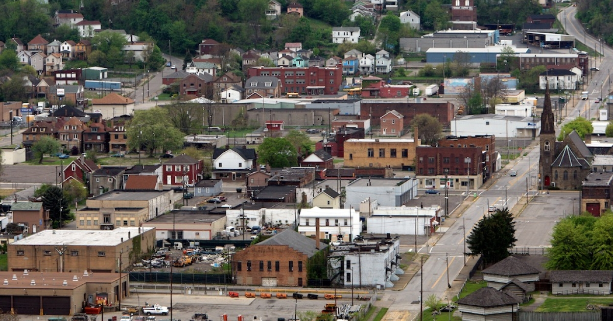 STEUBENVILLE, OH - MAY 05: The town of Steubenville sits near the Ohio River on May 5, 2009. The small steel town is divided over an alleged rape involving high school football players.</p>