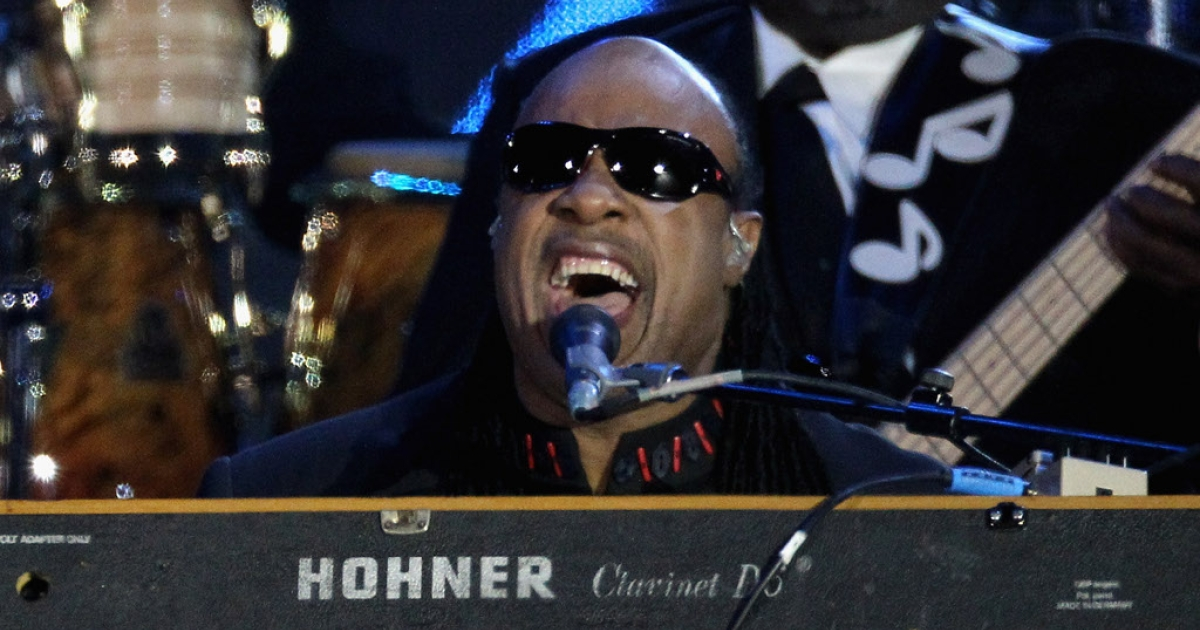 Singer Stevie Wonder performs on stage during the Diamond Jubilee concert at Buckingham Palace on June 4, 2012 in London, England.</p>