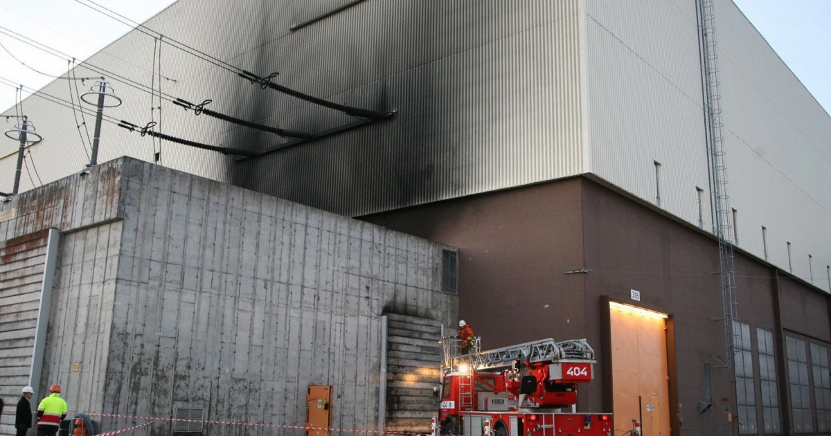 A file photo taken on November 14, 2006 shows a fire engine parked outside the Ringhals 3 reactor in southwestern Sweden.</p>