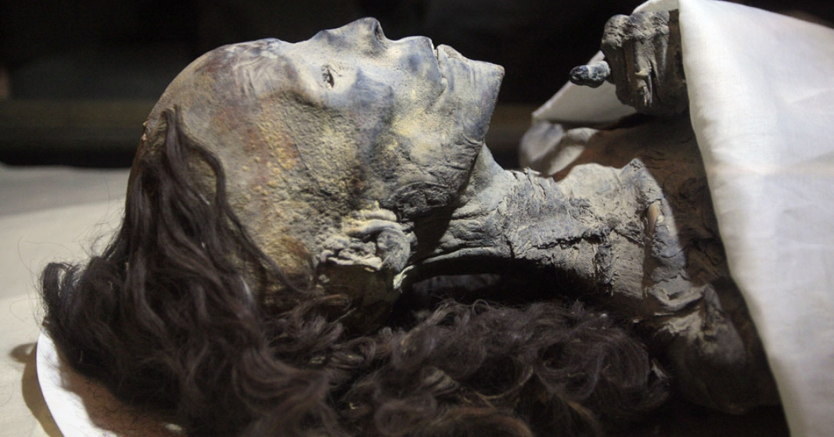A picture shows the mummy of Queen Tiye, Tutankhamun's grandmother, at the Egyptian museum in Cairo.</p>