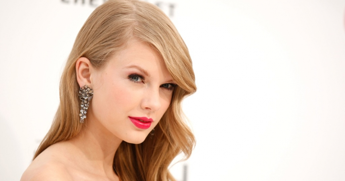 Taylor Swift, who is dating Robert F. Kennedy Jr.'s son Conor, 18, has bought a house in Cape Cod.</p>