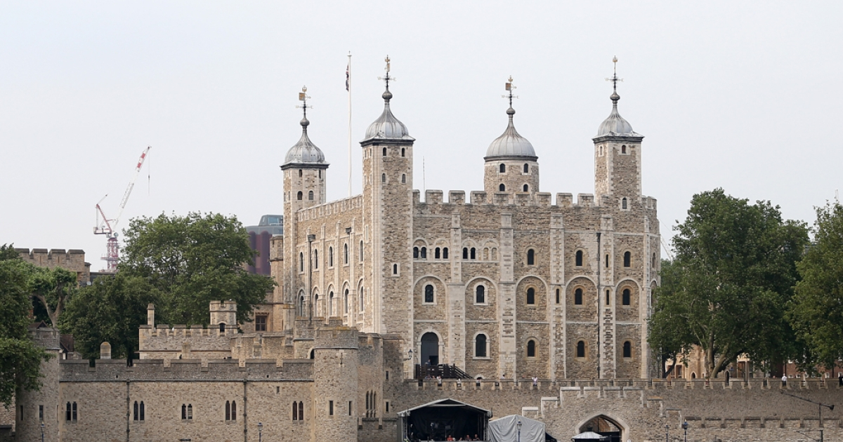 The Tower of London's locks were changed after a thief stole the keys to the building that houses the Crown Jewels.</p>