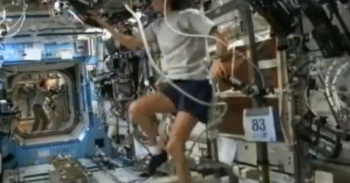 Sunita Williams becomes the first astronaut to complete a triathlon in space.</p>