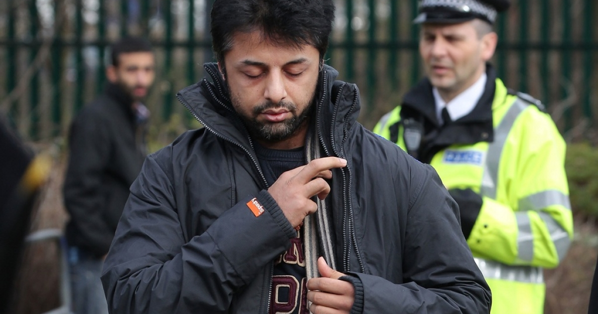 Shrien Dewani arrives at Belmarsh Magistrates Court on February 24, 2011 in London, England. Britain's High Court on March 30, 2012 temporarily halted Dewani's extradition to South Africa, where authorities want him to stand trial for allegedly hiring a hit-man to kill his bride Anni on their honeymoon.</p>