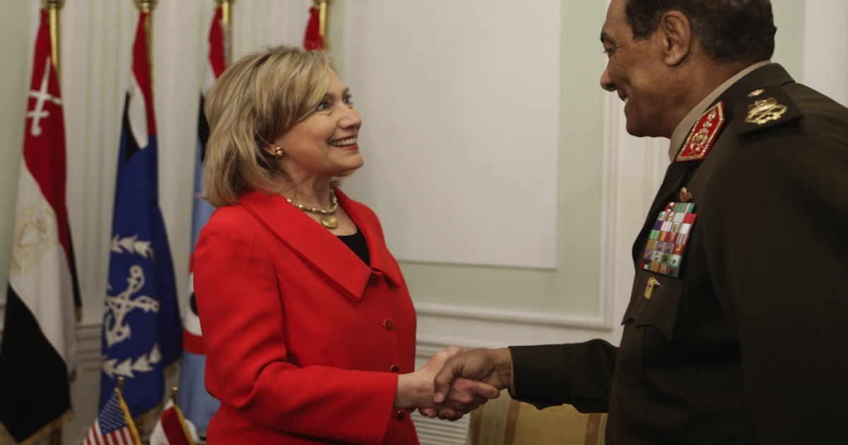 US Secretary of State Hillary Clinton is greeted by Egypt's defacto leader, Field Marshal Hussein Tantawi in Cairo last year. A report today says the US is ready to resume military aid to Egypt.</p>