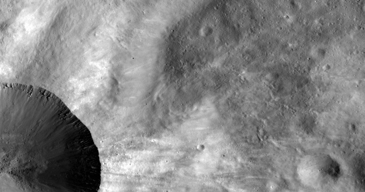 """Vesta, the asteroid so large some consider it a """"proto-planet,"""" is providing scientists with clues to how our own Earth formed, new research released October 31, 2012, suggests.</p>"""