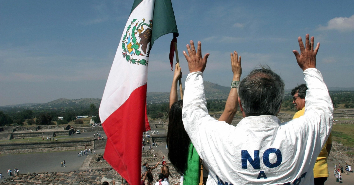 A protest against a planned Wal-Mart is seen Teotihuacan, Mexico State, in October, 2004.</p>