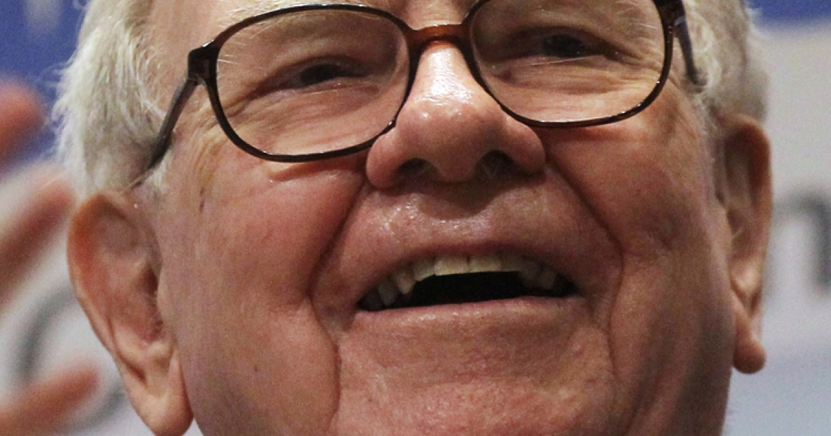Berkshire Hathaway Inc. Chairman and CEO Warren E. Buffett smiles at the New York Stock Exchange before ringing the opening bell on September 30, 2011 in New York City.</p>