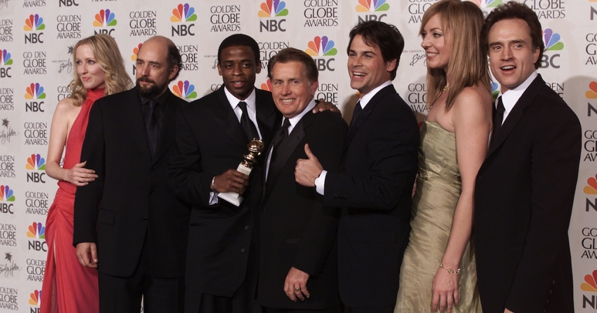 The cast of 'The West Wing' winner of the Best Television Series-Drama at the 58th Annual Golden Globe Awards at the Beverly Hilton in Los Angeles, California, Sunday January 21, 2001.</p>