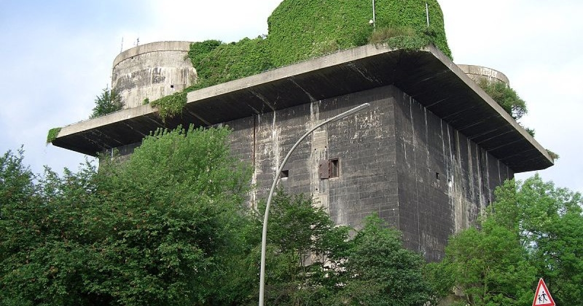 City planners want latte-sipping visitors to Wilhelmsburg's Nazi bunker to enjoy views of the city's skyline.</p>
