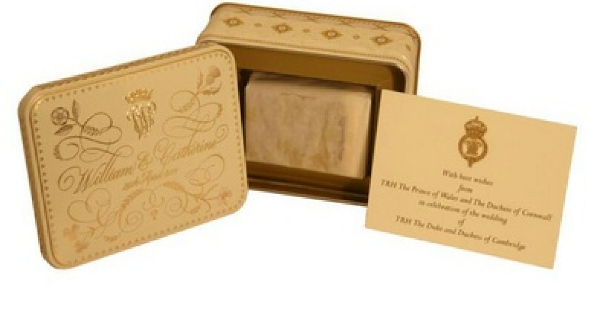 The price includes more than just a slice of cake. There's also this snazzy tin box.</p>