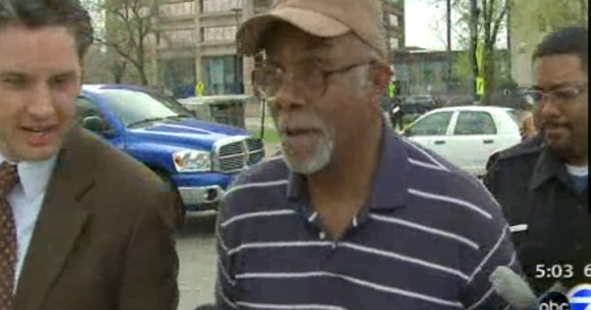 Homer Wright speaks to reporters after being released on bail. The Chicago homeowner was arrested for shooting a burglar entering his house.</p>