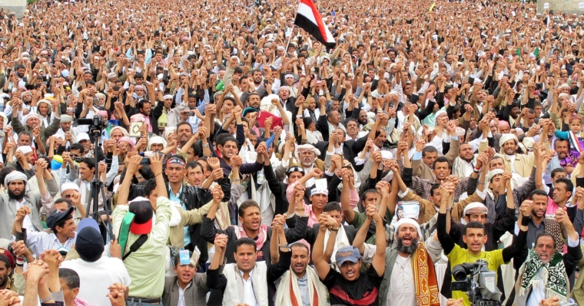 Tens of thousands of Yemeni anti-government protesters shout slogans during a demonstration calling for the ouster of President Ali Abdullah Saleh in Sanaa on May 6, 2011.</p>