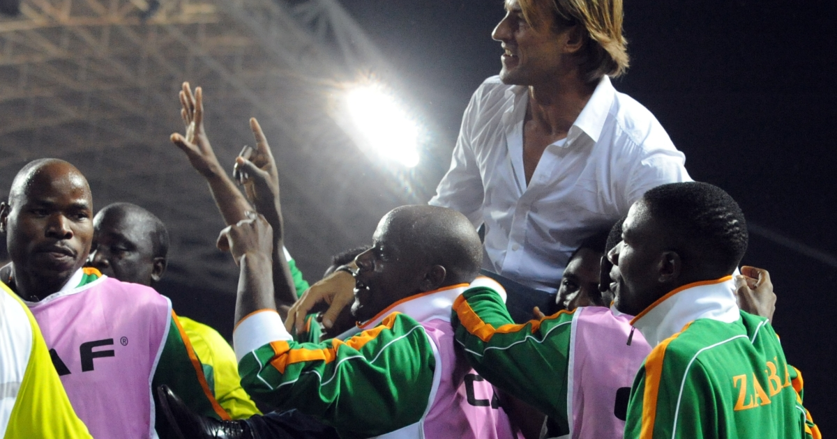 Zambian national team coach Herve Renard is carried by players and officials of the team to celebrate their victory over Ivory Coast at the Africa Cup of Nations (CAN) final football between the two teams at stade de l'Amitie in Libreville, Gabon on February 12, 2012.</p>