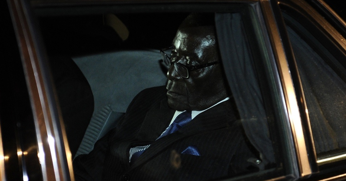 Zimbabwean President Robert Mugabe leaves the SADC (Southern African Development Community) troika summit on March 31, 2011 in Livingstone, Zambia, where he was strongly criticized by South African President Jacob Zuma.</p>