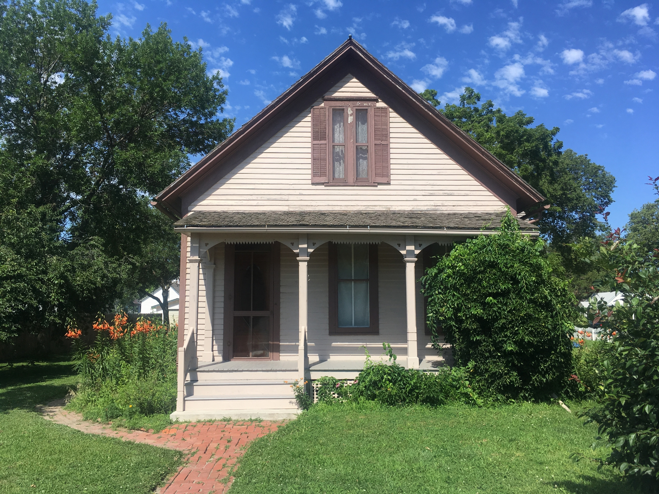 Willa Cather's childhood home, now the Willa Cather Pioneer Memorial, in Red Cloud, Nebraska.