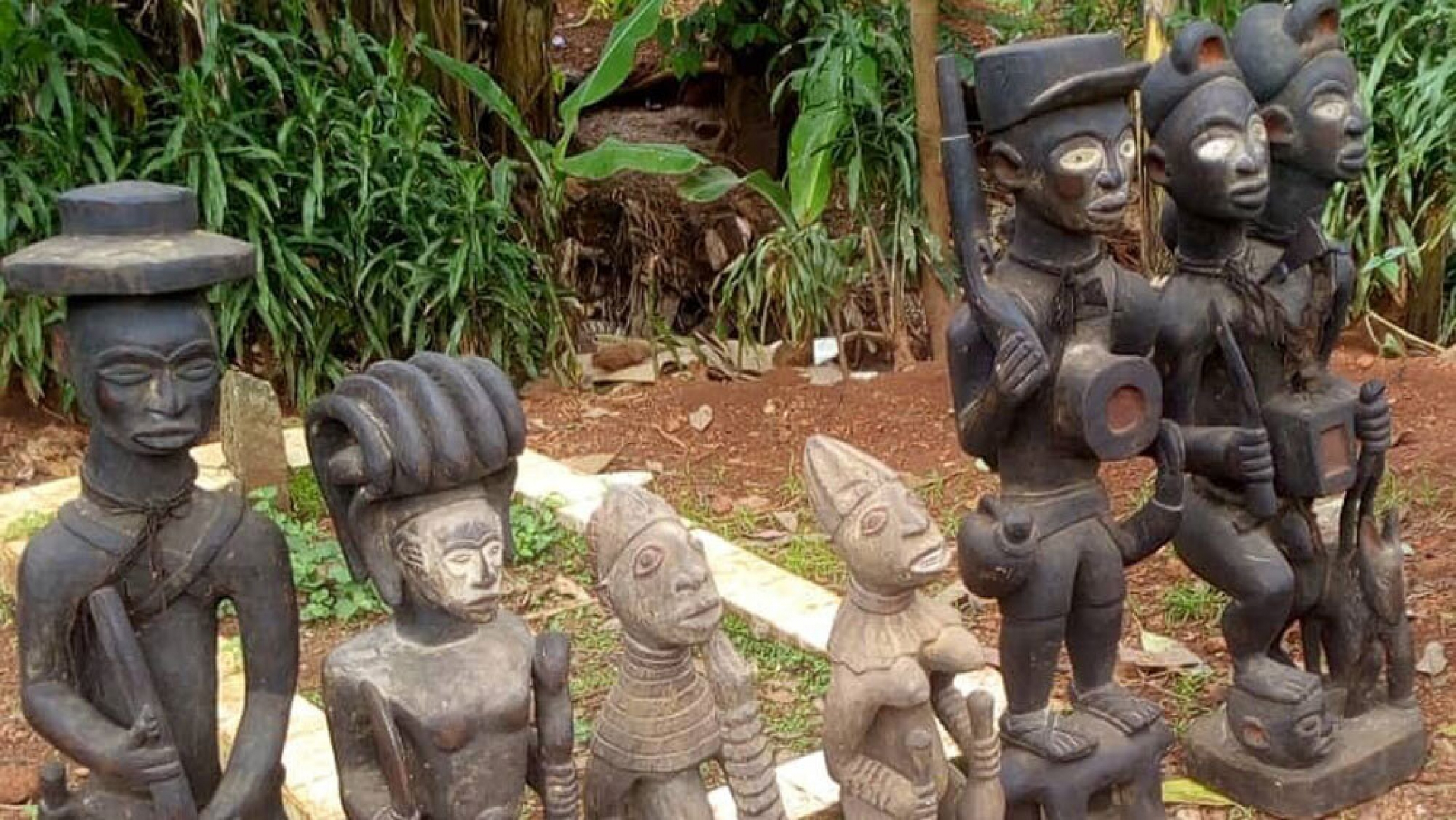 Art pieces a scammer claimed were photographed in Cameroon and authorized by UNESCO for sale and export. The art collector paid 6,000 euros before calling UNESCO and realizing the fraud.