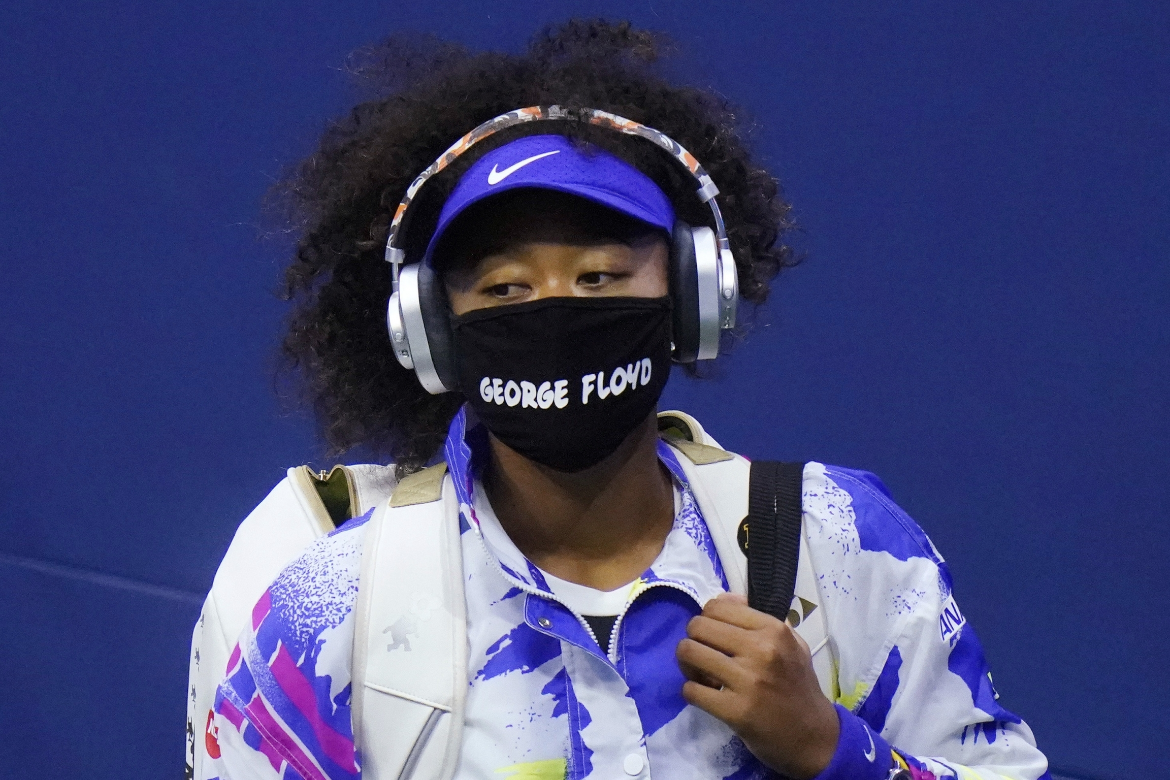 "Naomi Osaka wears a mask that reads ""George Floyd"""