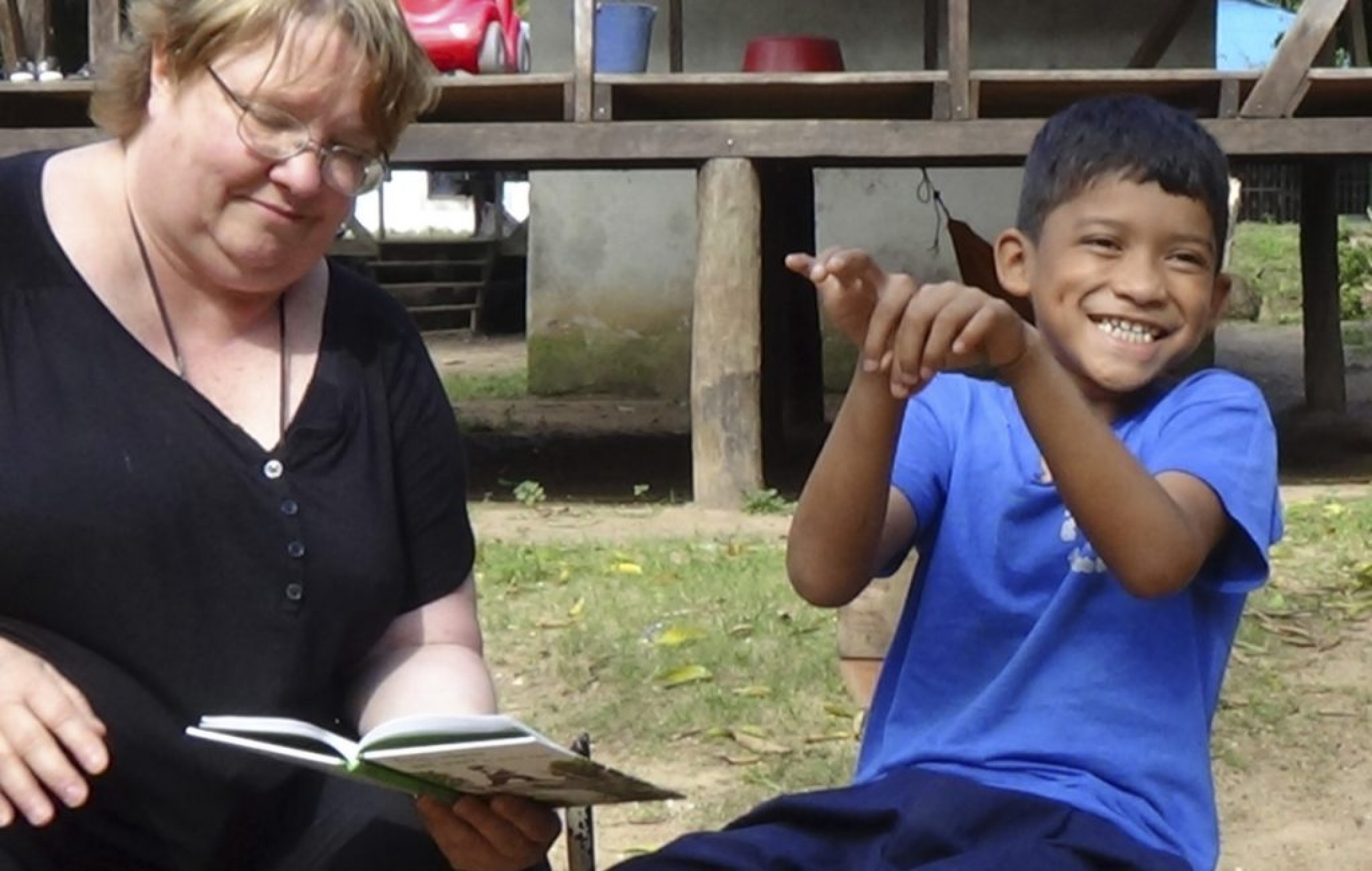 Shows Judy Shepard-Kegl and an NSL signer in Bilwi, Nicaragua.
