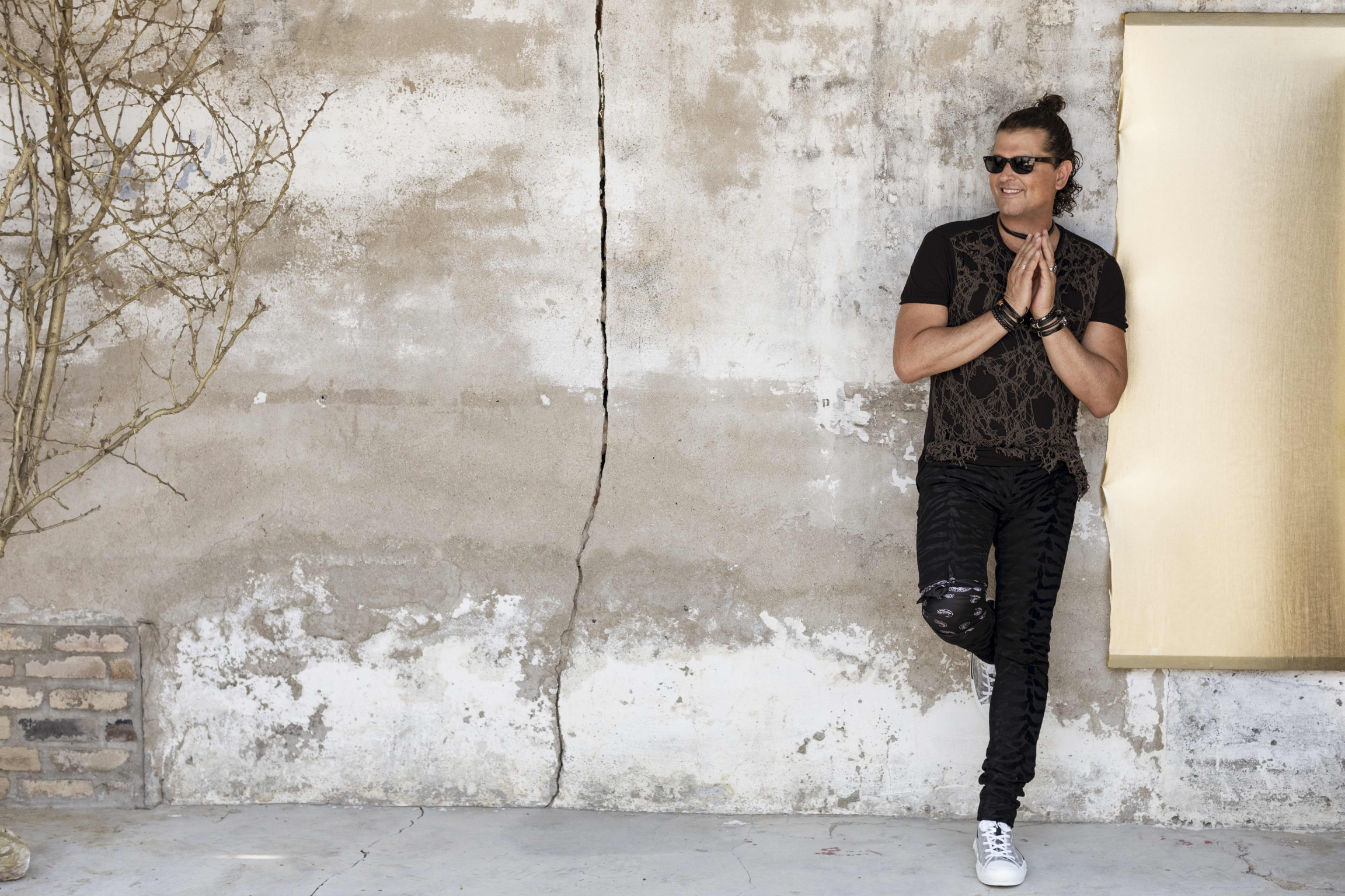 Colombian singer Carlos Vives stresses the importance of protecting the environment.