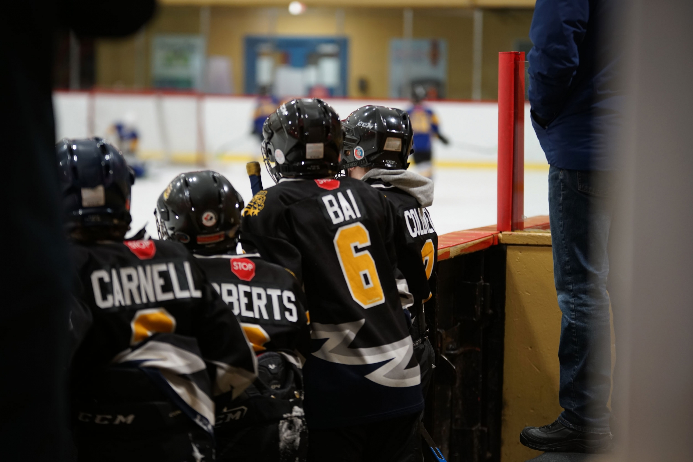 Yamen saysthe best part of hockey is his team.