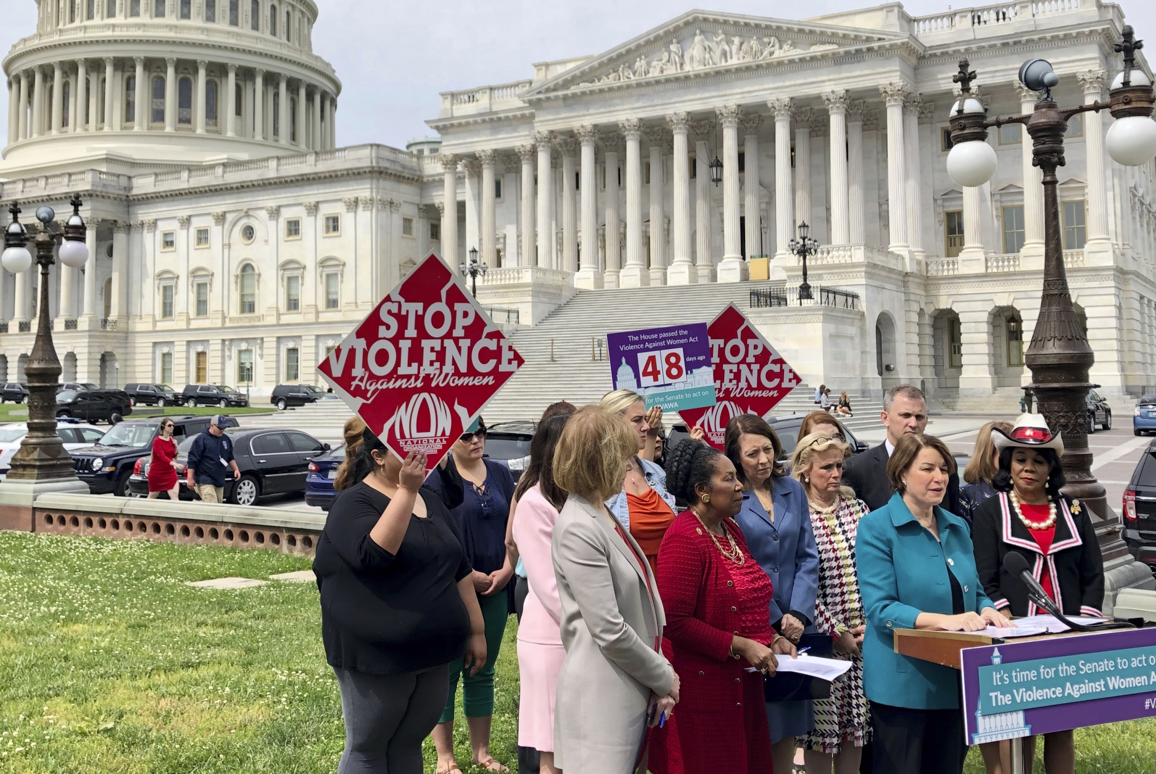 Minnesota Sen. Amy Klobuchar urges Senate to take up a bill renewing the Violence Against Women Act at a news conference outside the US Capitol in Washington, on May 22, 2019.