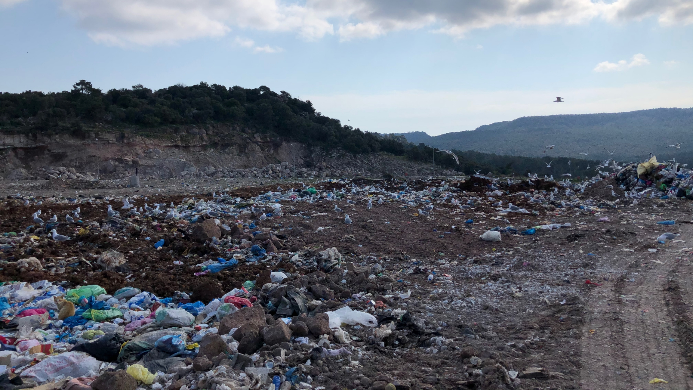 The new migrant facility on Lesbos will be built next to an active landfill, according to a map published by local media in the fall.