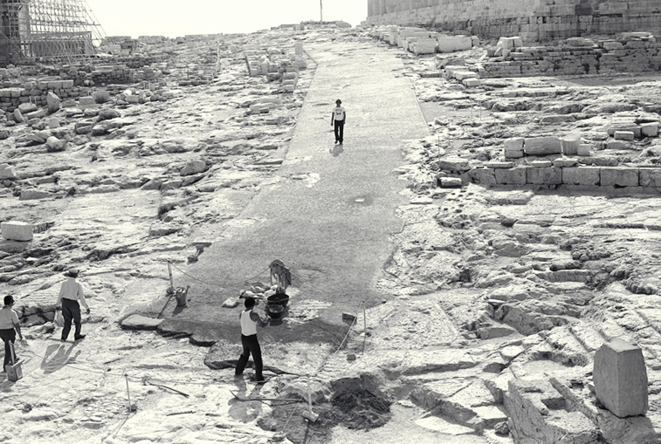 A previous iteration of a pathway on the Acropolis plateau, completed in 1977. Critics of the new walkway say its predecessor was more aesthetically fitting and was constructed with materials that allowed it to be removed without damaging the ancient bedr