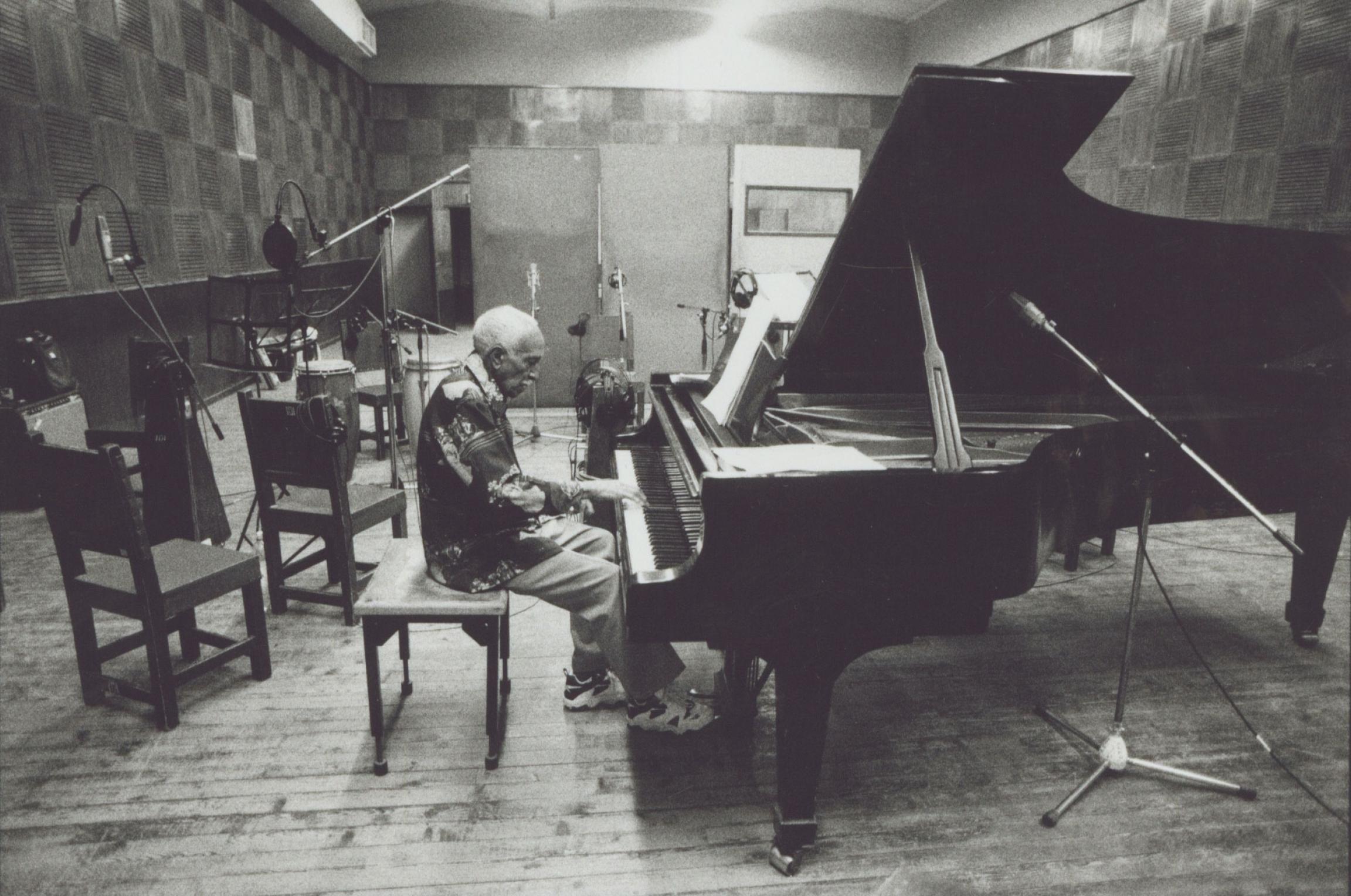 Rubén González at the piano.